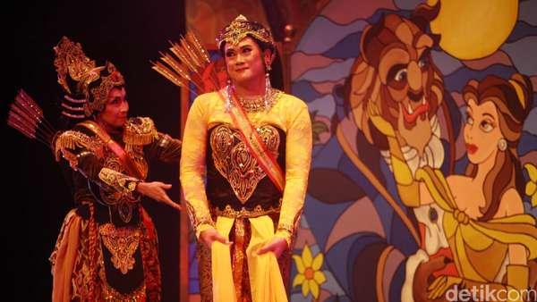 Teater Koma Pentaskan Semar Gugat