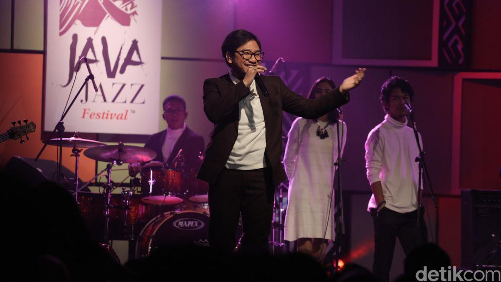 Kunto Aji Jagokan Album Anti Rihanna di Grammy 2017