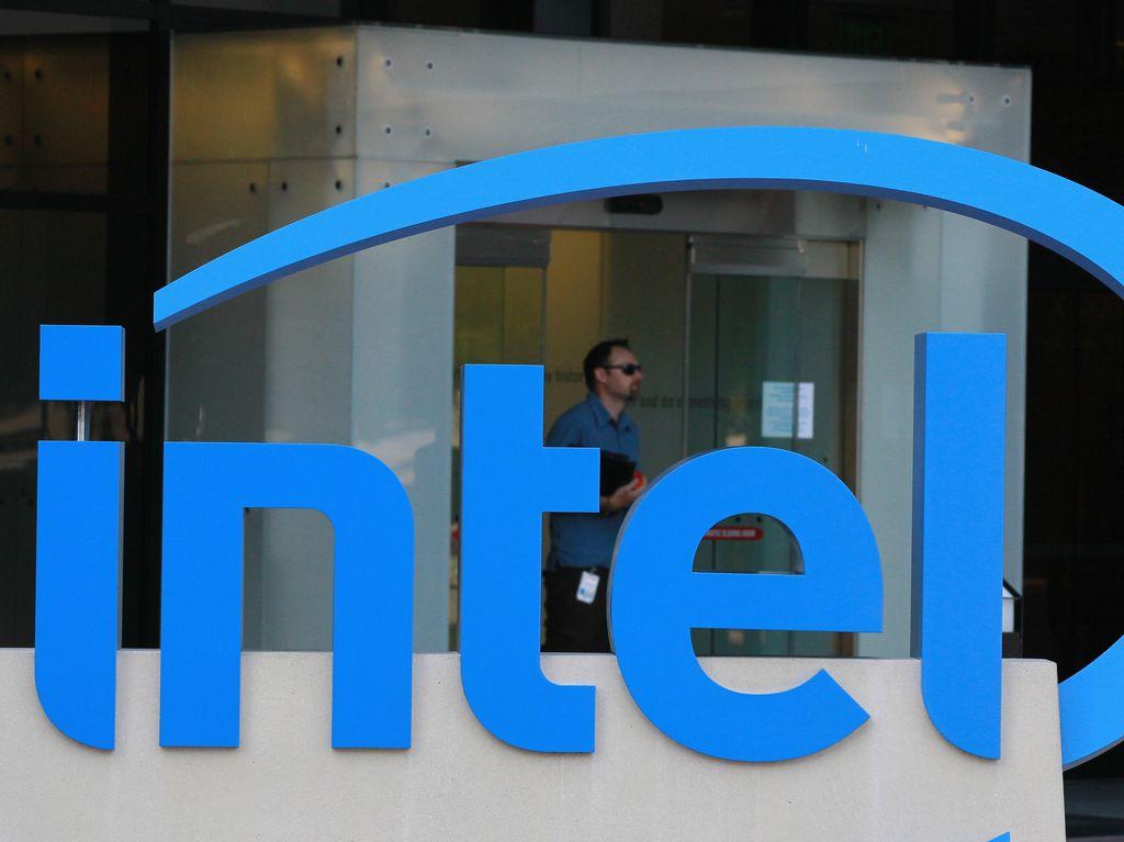 Intel dan AMD Akhirnya Mau Berteman, Kenapa?