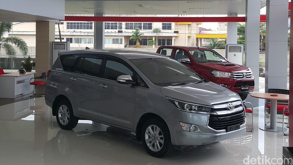 Penjualan Toyota di Auto2000 Tembus Angka Tertinggi dalam 3 Tahun