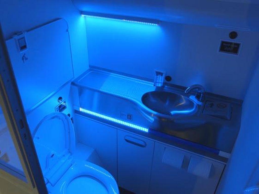 Gaes, Mau ke Toilet Pesawat, Sekarang Ada Aturan Baru Lho di Masa Pandemi