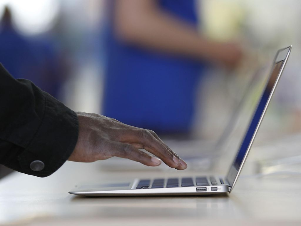Apple Bakal Rilis MacBook Air Versi Murah