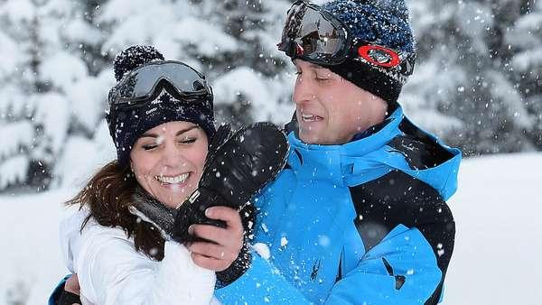 So Cute! Pangeran George dan Putri Charlotte Pertama Kali Main Salju