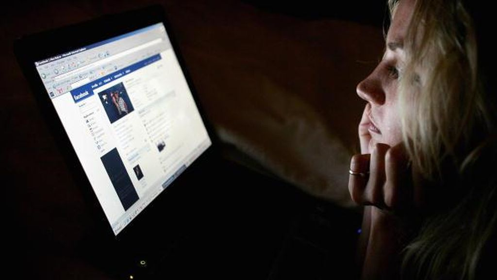Tiga Remaja Bolos Demi Nonton Streaming Porno di Facebook