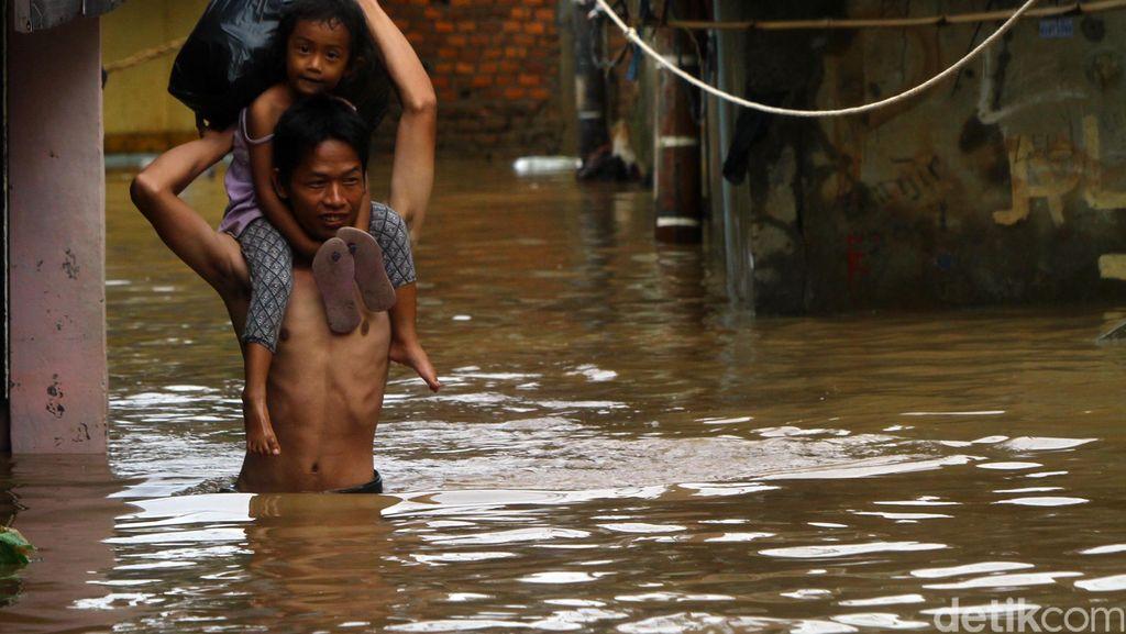 Banjir Rendam Kawasan Pasar Minggu