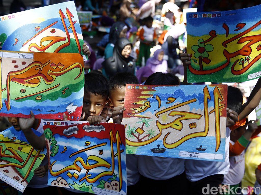 10.000 Anak Ikuti Lomba Mewarnai Kaligrafi