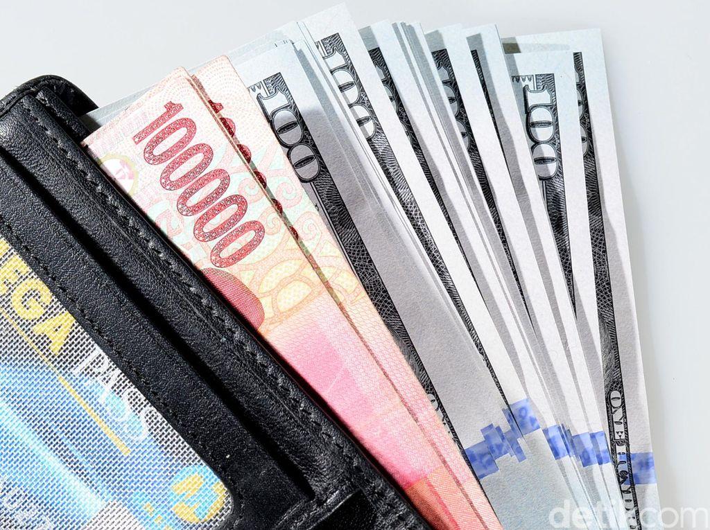 Dolar AS Melemah Terbatas di Level Rp 14.070