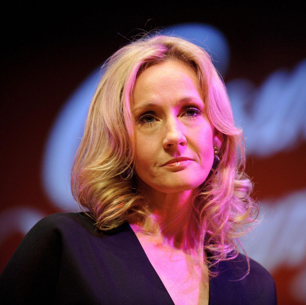 J.K Rowling Tulis Cerita Misteri?