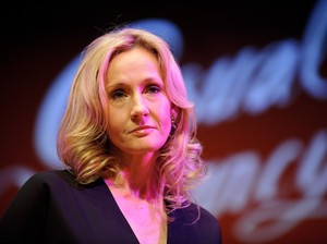 Kicauan J.K Rowling di Twitter Dianggap Seperti Kim Kardashian