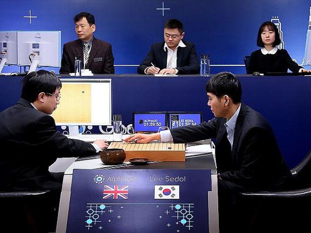 Putus Asa Lawan Robot, Juara Dunia Catur China Pensiun
