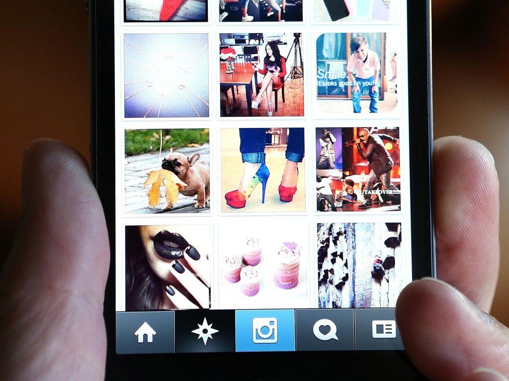 Ngakak Lihat Gaya Master Photoshop dengan Idola di Instagram