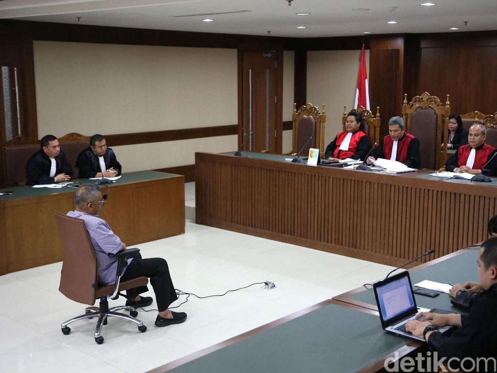 Hakim: Uang UPS Juga Mengalir ke Eks Anggota DPRD Firmansyah