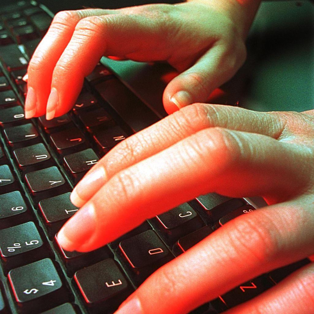 Bully via Internet Makin Marak, Orang Tua Harap Waspada