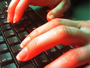 <i>Bully</i> via Internet Makin Marak, Orang Tua Harap Waspada