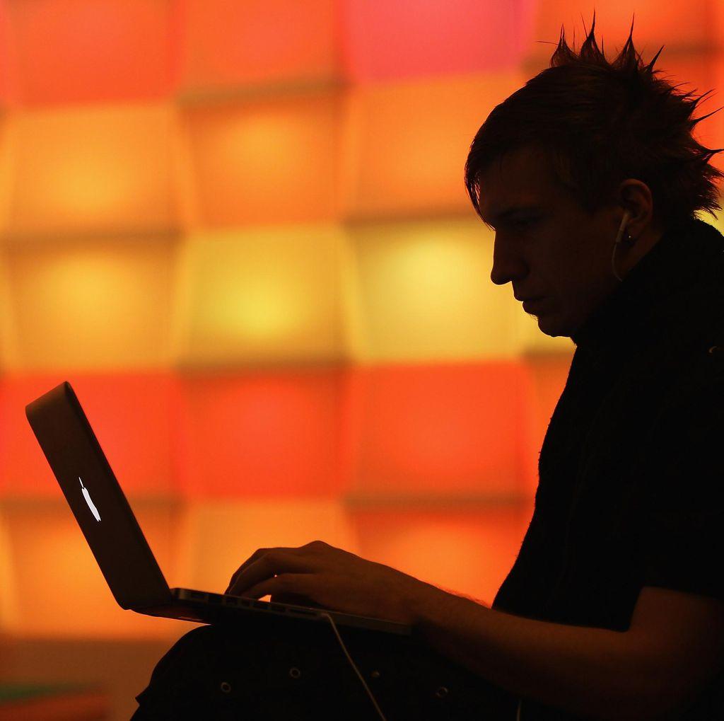 Tak Dipenjara, Hacker Jahat Malah Direkrut Pemerintah