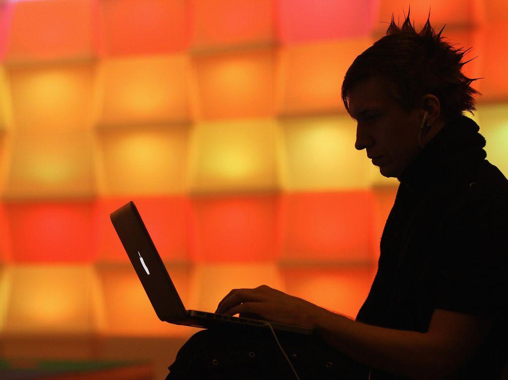 Pemerintah Tolak Ide RCTI: Konten Video Internet Tunduk ke UU Pornografi dkk