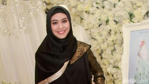 Penampilan Hijab ala Pipik, Oki Setiana Dewi dan Terry Putri di IFW 2016