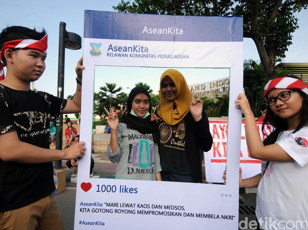 Promosikan Indonesia Lewat Kaos dan Medsos