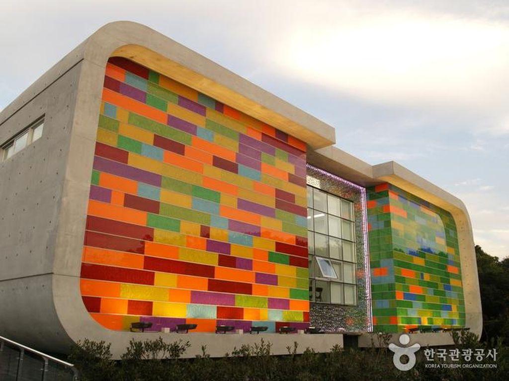 Taman Rekreasi Keren di Jeju Island, Semuanya Terbuat dari Kaca!