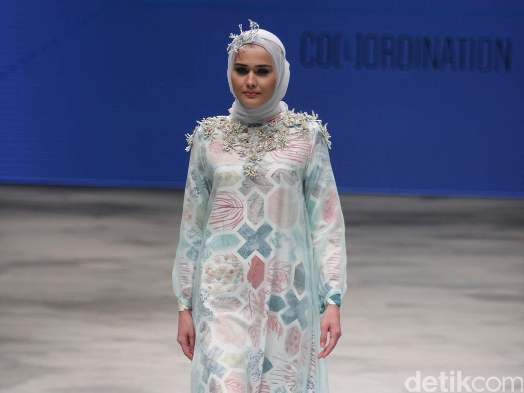 Koleksi 5 Desainer yang Angkat Keindahan Alam Indonesia Tutup IFW 2016