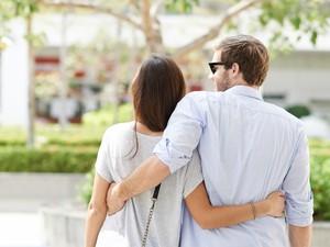 5 Hal Aneh yang Dilakukan Pasangan Kekasih Saat Baru Pacaran