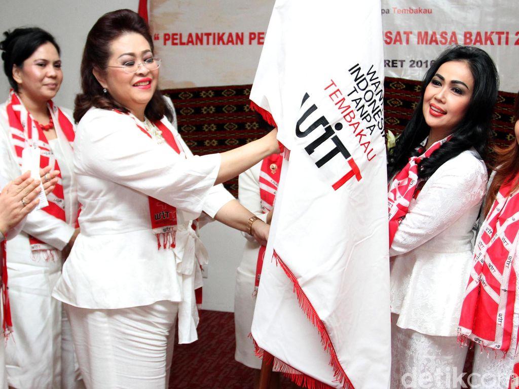 Pelantikan Wanita Indonesia Tanpa Tembakau