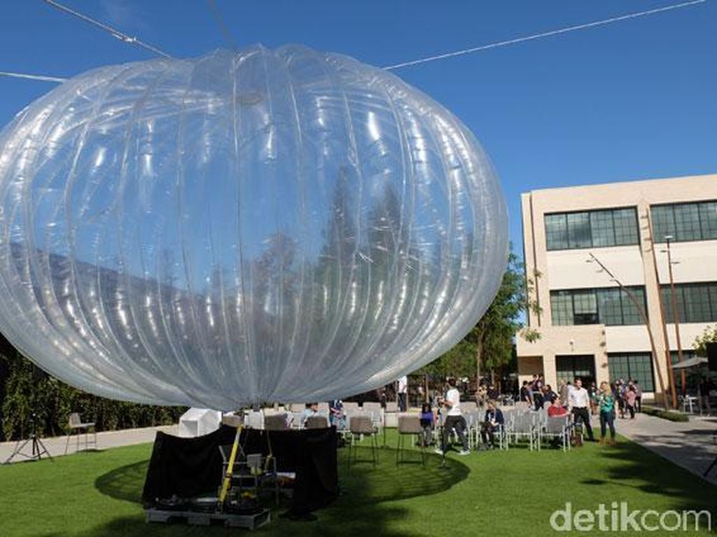 Induk Google Matikan Balon Internet Project Loon