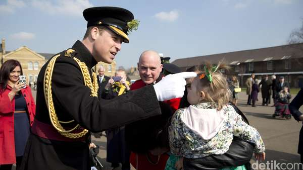 Pangeran William Gagah di Parade St. Patrick