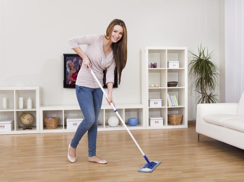 5 Bahan Alami untuk Membuat Lantai Lebih Bersih dan Mengkilap