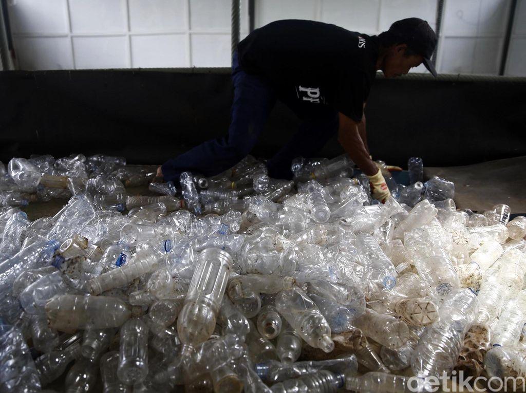 Menko Maritim: Kita Mau 2025, 70% Sampah Plastik Habis