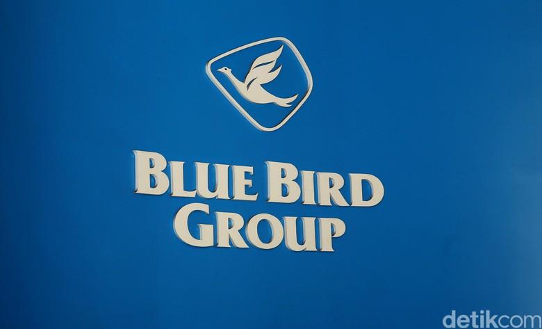 Hari Ini Bluebird Luncurkan Taksi Listrik Pertama di Indonesia