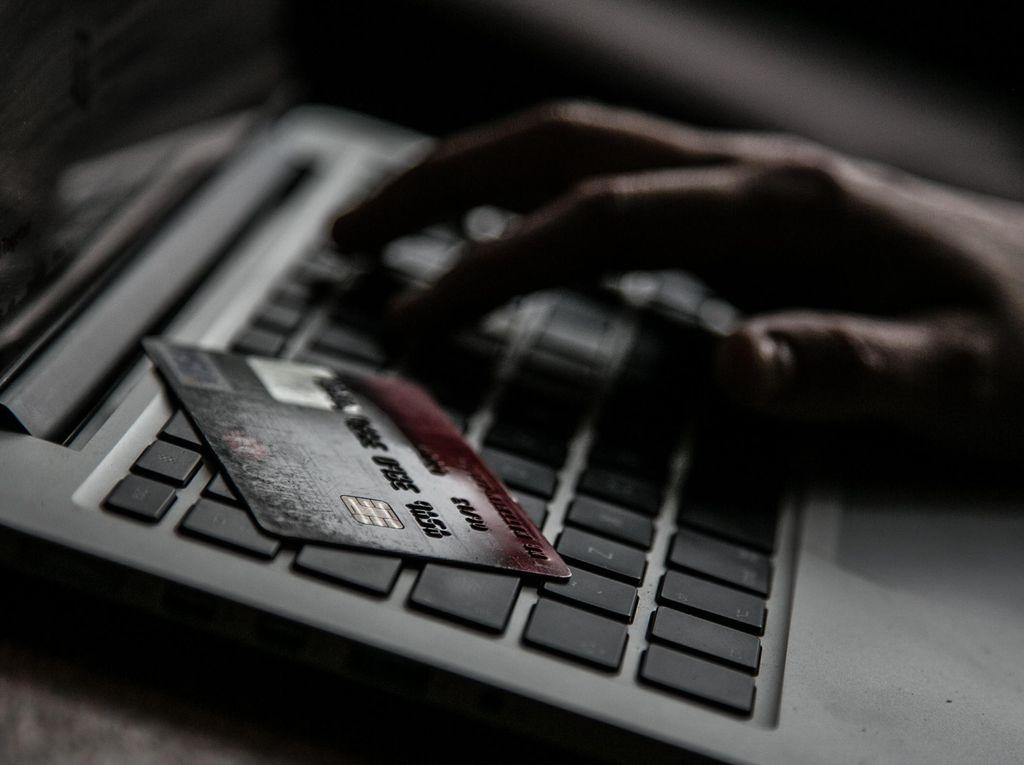 Barang Impor Marak di Toko Online, Apa Kata Rudiantara?
