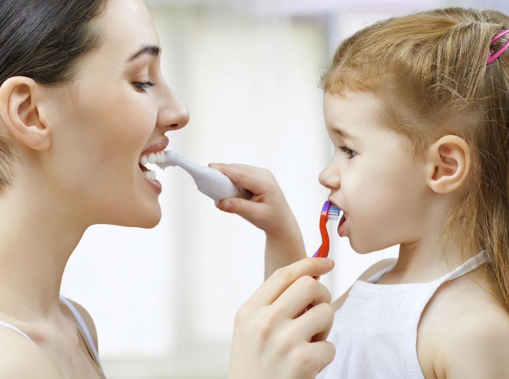 Sikat Gigi Sebelum atau Setelah Sarapan, Mana yang Lebih Baik?