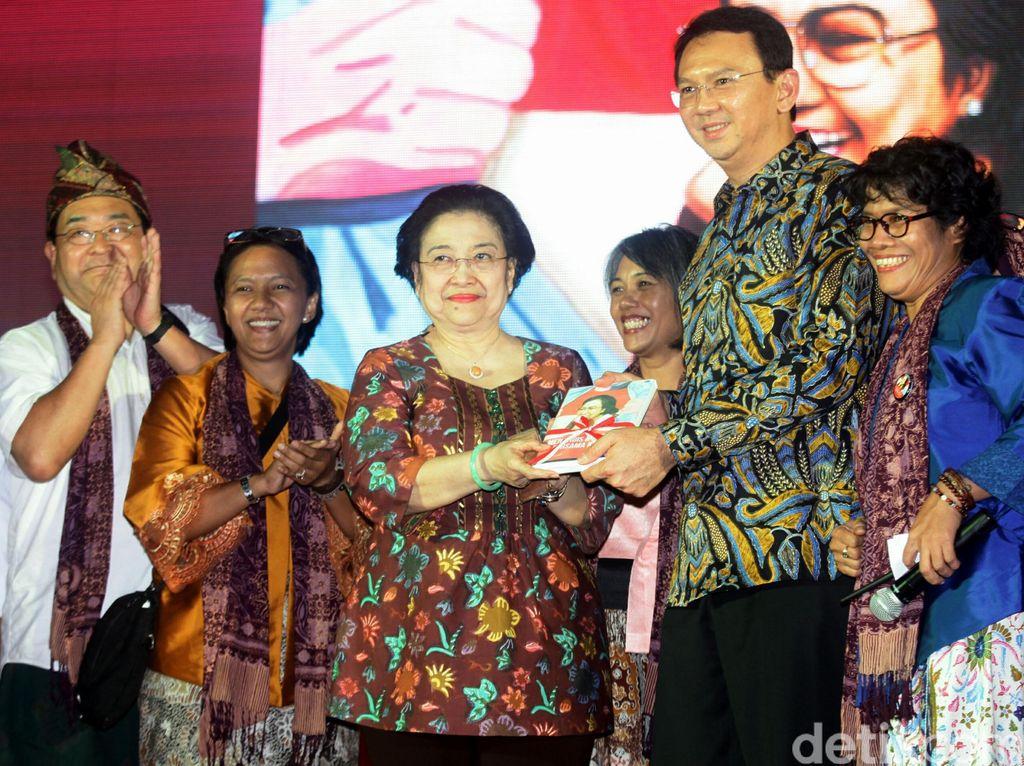 Sekjen PDIP: Ibu Mega Sayang Ahok, Tapi Tetap Kedepankan Proses di Partai