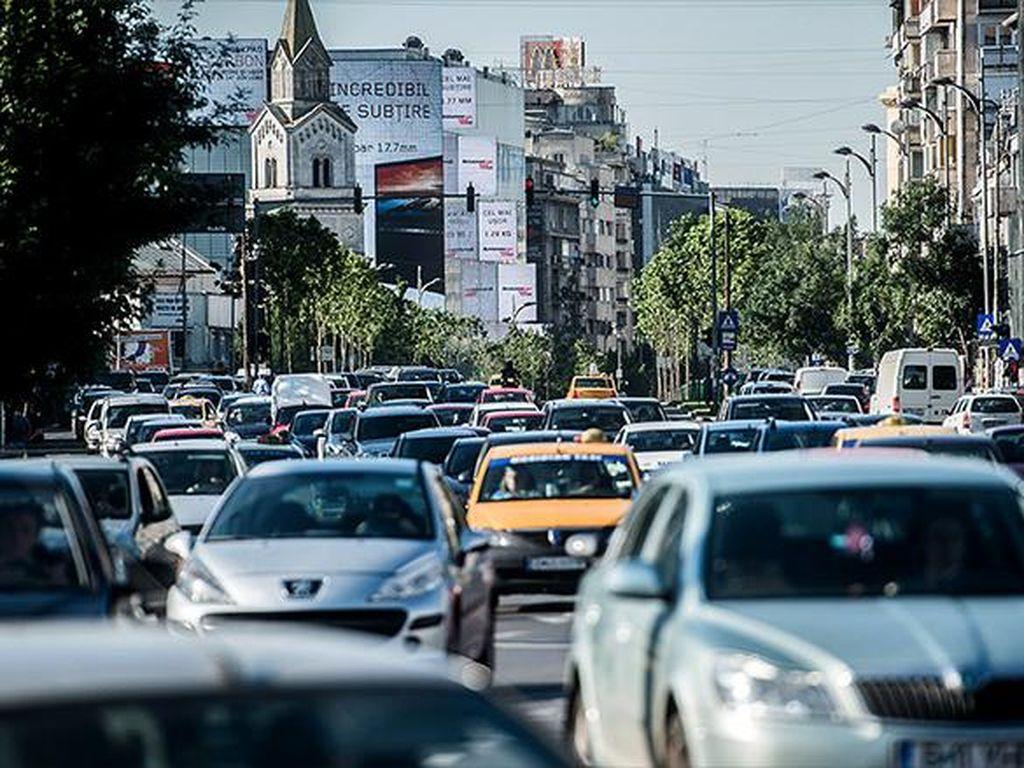 Di Persimpangan Jalan Tanpa Lampu Merah, Siapa Harus Ngalah dan Siapa Boleh Jalan Duluan?