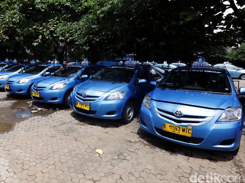 Express PHK Karyawan Karena Taksi Online, Bagaimana Blue Bird?