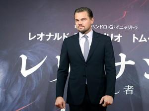 Bukan Nina Agdal, Leonardo DiCaprio Kepergok Ajak Cewek Lain ke Pesta