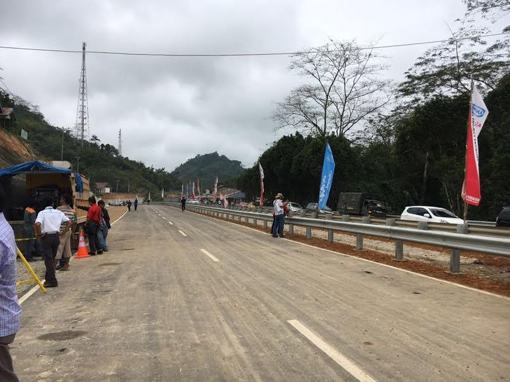 Ini Dia Penampakan Jalan Akses di Perbatasan Entikong