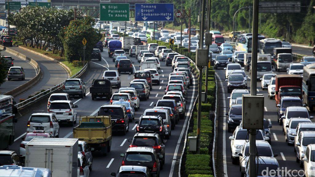 Soal Kemacetan Jakarta, Ini Solusi Anies dan Sandi