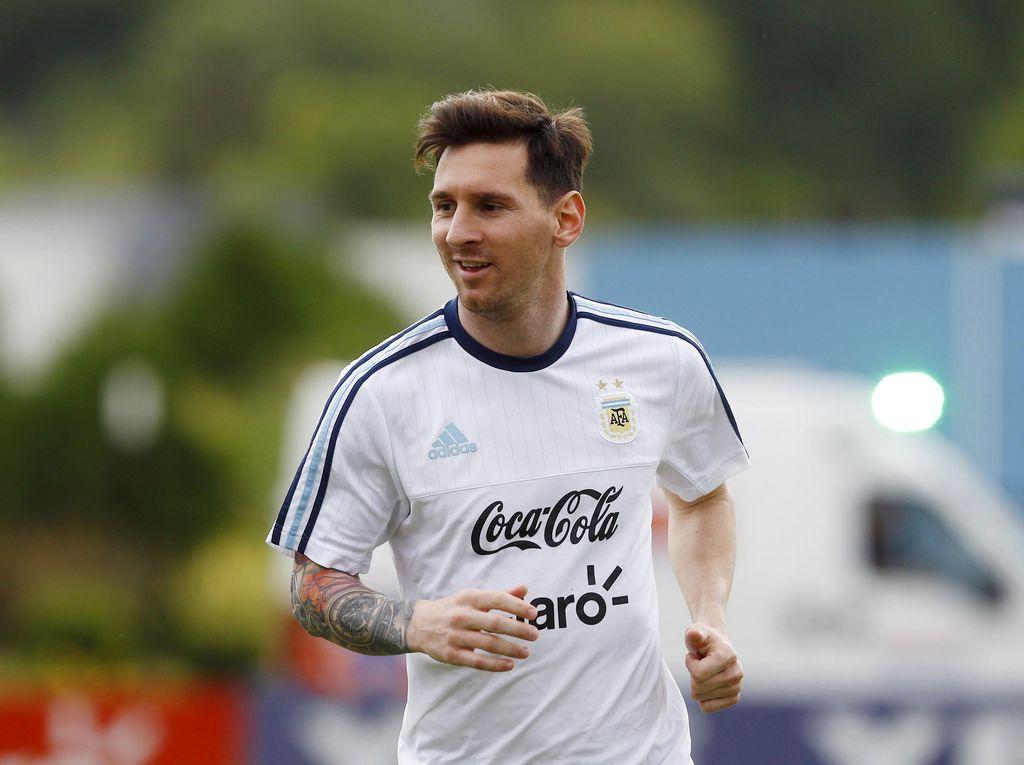 Argentina Menyambut Kembalinya Messi