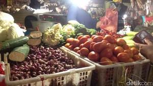 Masuk Masa Panen, Tomat Hingga Cabai Kompak Turun Harga