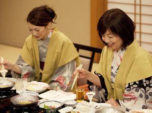 Takut Gemuk karena Makan Nasi? Cek Kebenaran 4 Mitosnya