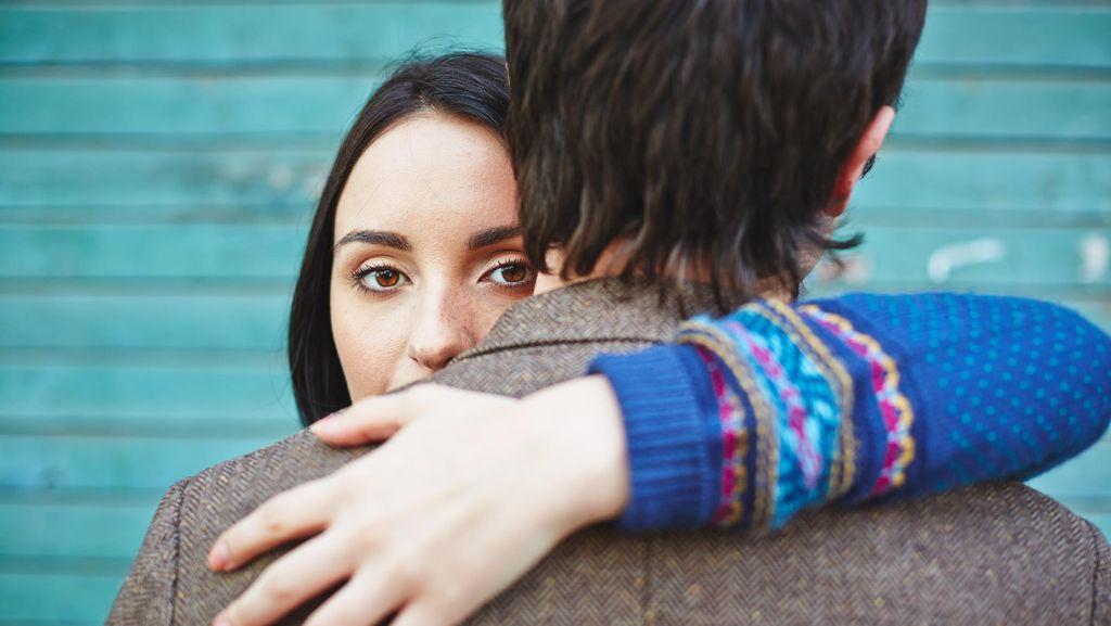 Terlalu Mudah Kangen Pacar Bisa Jadi Pengganggu Hubungan, Ini Kata Psikolog