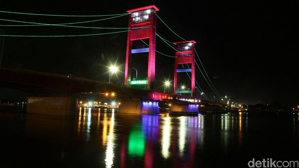 Keindahan Jembatan Ampera di Palembang