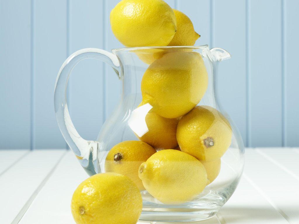 Mengungkap Kebenaran Khasiat Segelas Lemon Hangat Untuk Kesehatan Anda