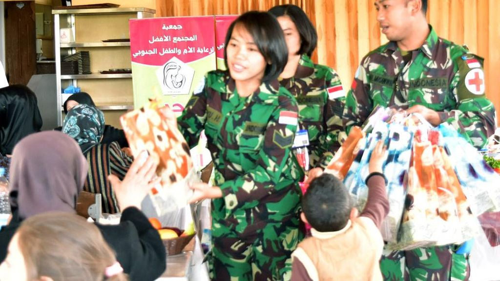 Keceriaan Ibu dan Anak-anak di Libanon Bersama Satgas Indobatt
