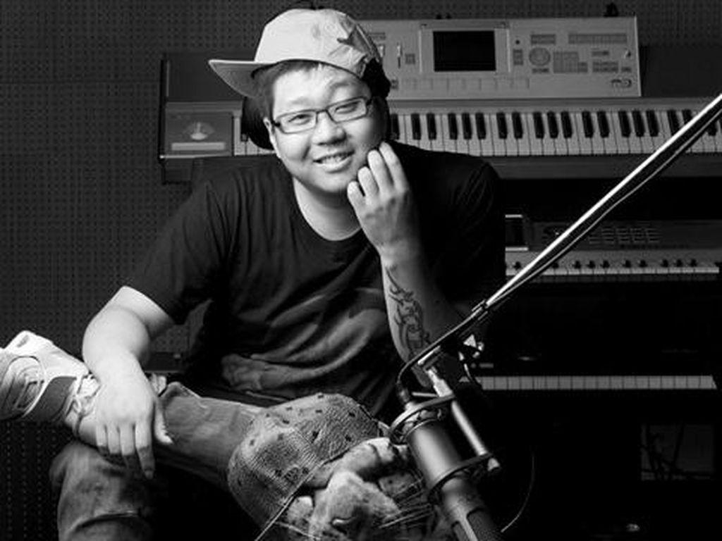 Komposer KPop Shinsadong Tiger Bantah Terlihat Prostitusi Artis