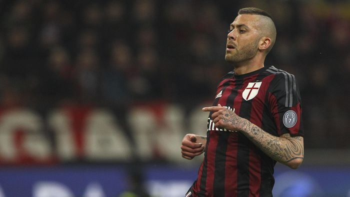 MILAN, ITALY - MARCH 01:  Jeremy Menez of AC Milan looks on during the TIM Cup match between AC Milan and US Alessandria  at Stadio Giuseppe Meazza on March 1, 2016 in Milan, Italy.  (Photo by Marco Luzzani/Getty Images)
