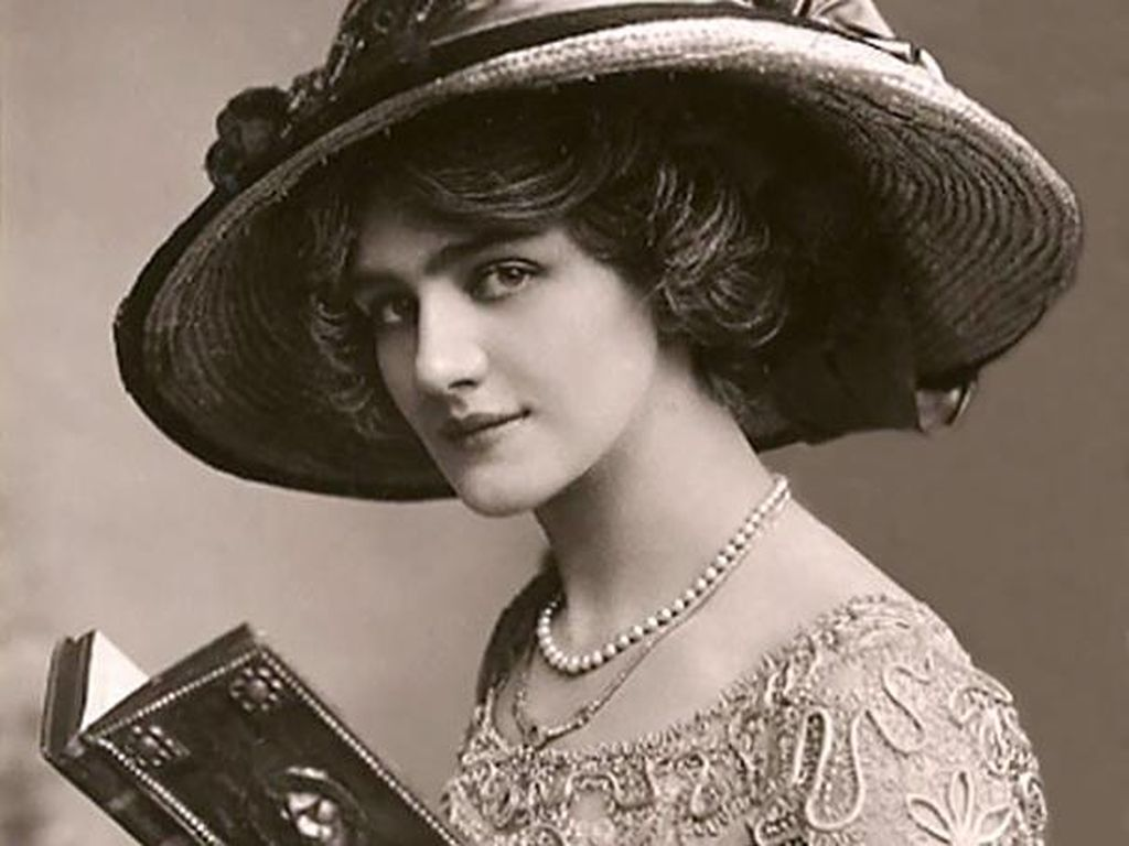 Foto: Melihat Kecantikan Wanita Tahun 1900-an di Kartu Pos