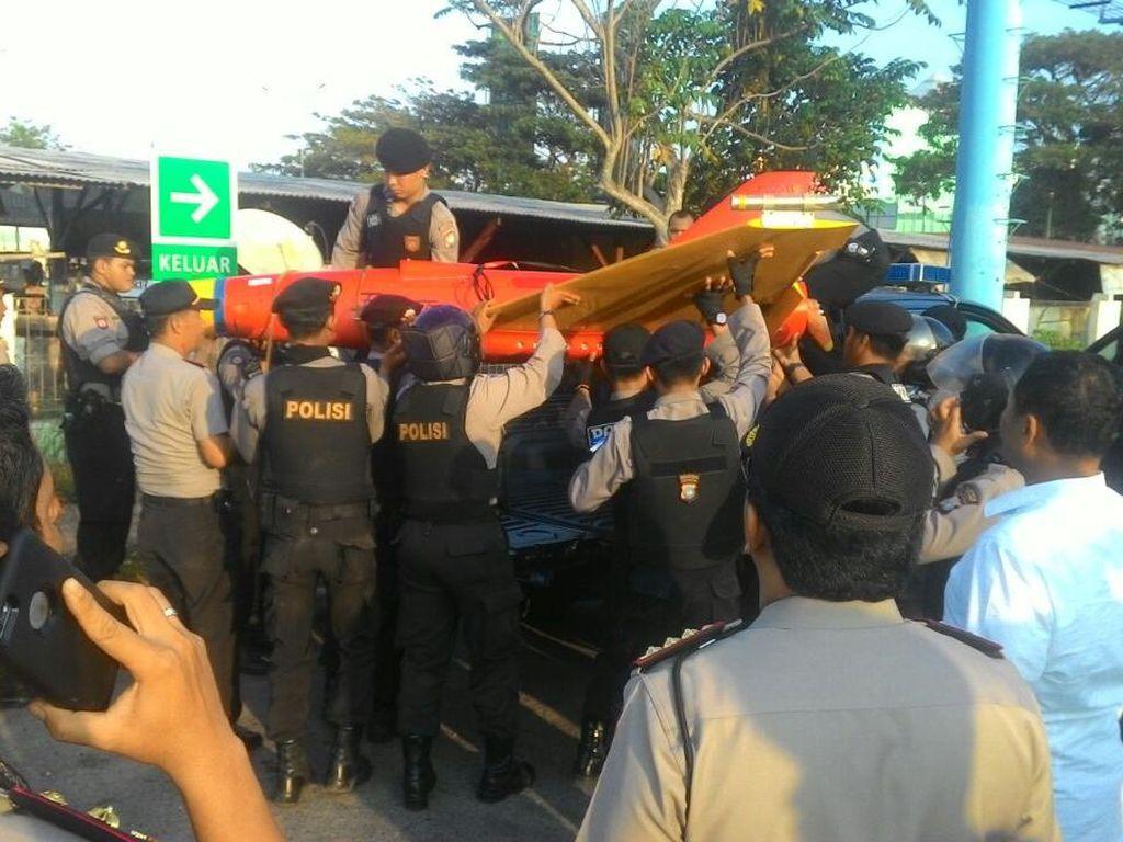 Pesawat Intai Milik Asing Jatuh di Perairan Batam